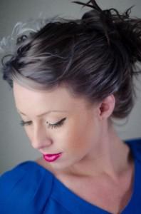 流行の髪型を簡単に探す方法