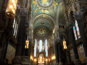 プロテスタントとカトリックの違いをわかりやすく解説します!
