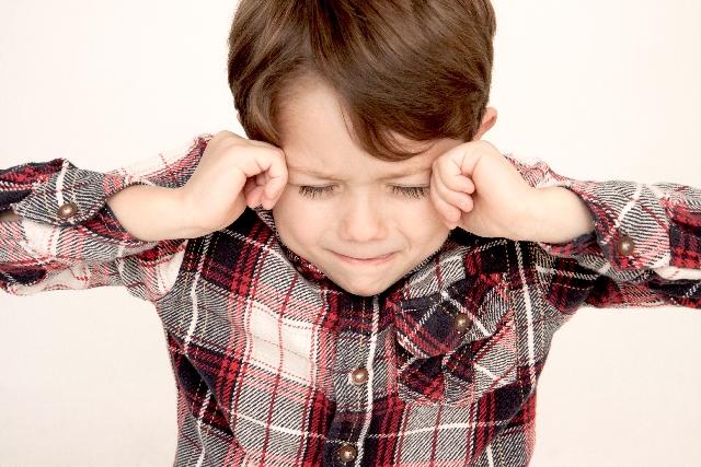 ADHD(注意欠陥・多動性障害)とアスペルガー症候群の違いをわかりやすく解説します