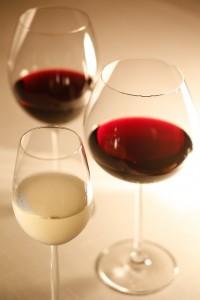 今さら聞けない!?赤ワインと白ワインの違いをわかりやすく解説