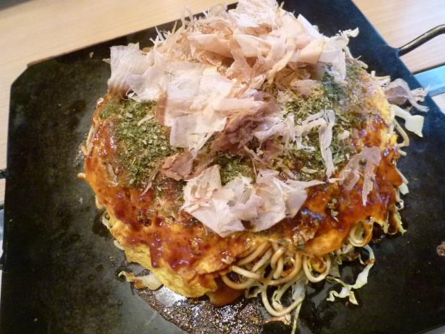 関西風お好み焼きと広島風お好み焼きの違いをわかりやすく解説します