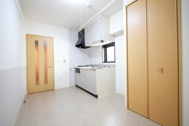 初めての一人暮らしの最低費用は?東京で30万円以内に抑える方法を徹底検証!