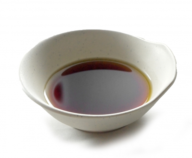 濃口醤油と薄口醤油の違いをわかりやすく解説します