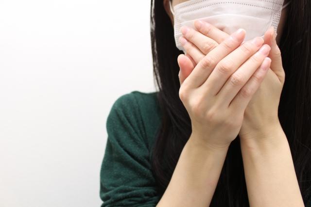 気づかないうちに病状が進行する!誤嚥性肺炎の原因と治療法