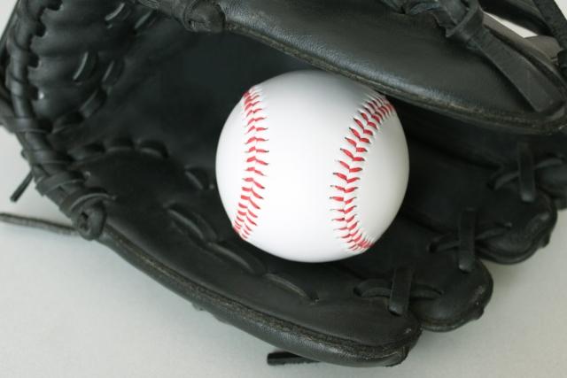 フォークボールとスプリットボールの違いをわかりやすく解説します