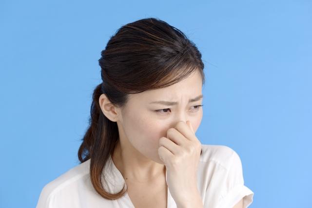 口臭がうんちくさい!?原因と対策、セルフチェックの方法もわかりやすく解説します